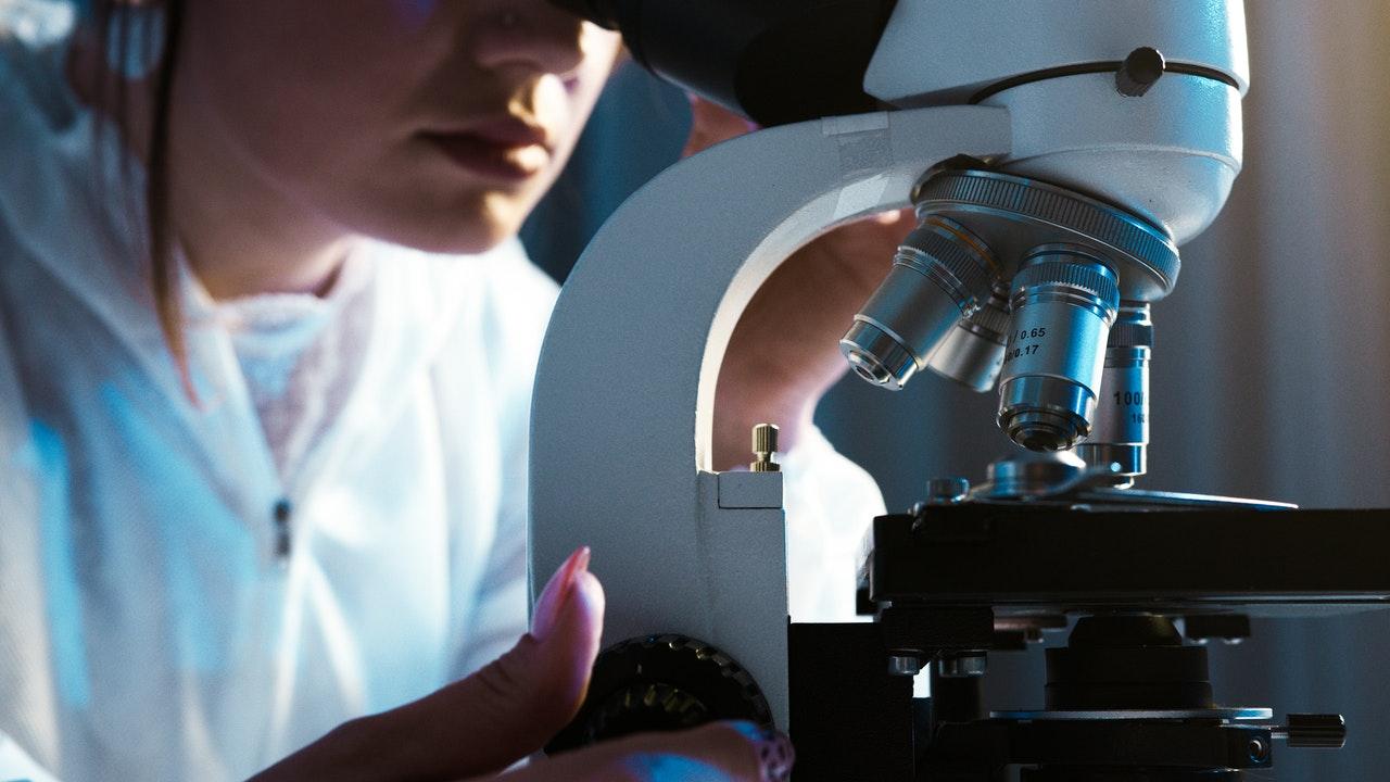 controle de qualidade em laboratório de análises clínicas