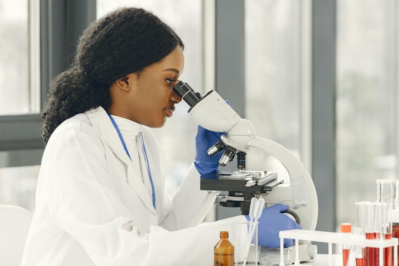 cientista de laboratório médico